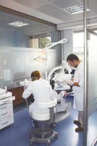 El centro elegido debe contar con unas adecuadas instalaciones. Foto: Facultad de Medicina y Odontología de la Universidad de Valencia.