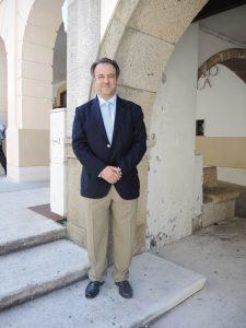 Desde la Federación Europea de Periodoncia (EFP) se está luchando por el reconocimiento de la especialidad, asegura el Dr. Juan Blanco.